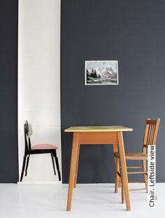 Tapete: Chair, Leftside view - TapetenAgentur Selected Designtapete von Deborah Bowness