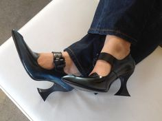 Blue & Black Odette from John Fluevog as worn by Christina from Timeless Soles John Fluevog Shoes, Low Heels, Shoes Online, Footwear, Pumps, Boots, Leather, Blue, Women