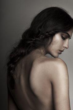 Nude Portrait, Female Portrait, Black And White Portraits, Black And White Photography, Boudoir Photography, Portrait Photography, Human Body Photography, Art Photography Women, Photography Lighting
