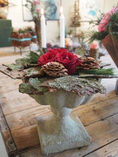Så er der snart tid igen til juledekorationskursus……. – Bruun's Have Country Christmas, Christmas Home, Christmas Wreaths, Xmas, Arte Floral, Natural, Planters, Bouquet, Shapes