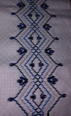 Swedish Embroidery, Hardanger Embroidery, Ribbon Embroidery, Cross Stitch Embroidery, Cat Cross Stitches, Sewing Stitches, Bead Loom Patterns, Sewing Patterns, Swedish Weaving Patterns