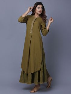 A Kurta to go with every occasion, be it printed embroidered or sequined. Shop from a wide Variety of most beautiful Kurtas in Pure Silk, Cotton & Linens & in vibrant colors. Simple Kurti Designs, Salwar Designs, Kurta Designs Women, Kurti Designs Party Wear, Dress Neck Designs, Designs For Dresses, Stylish Dresses, Fashion Dresses, Kurta Neck Design
