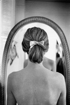 NYC, 1963 by Elliott Erwitt -repinned by Los Angeles County & Orange County portrait photographer http://LinneaLenkus.com  #portraitphotography