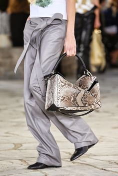 BagAddicts Anonymous: #PFW: Loewe Spring/Summer 15 Bags Report