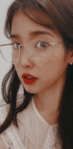Aesthetic Women, Couple Aesthetic, Aesthetic People, Asian Photography, Korean People, Cute Wallpaper For Phone, Iu Fashion, Korean Celebrities, Korean Actresses