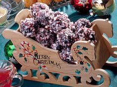 Want to make a Christmas treat that looks and tastes fancy without fuss and in no time? It can be your little holiday secret that these luscious Brownie Bonbons are so simple.