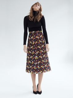 Franca - A gorgeous embroidered floral fabric that we have turned into a trendy A-line midi skirt. The material's stability lends the skirt its special swing – and is sure to enchant you, time and again. Swiss made Lookbook, Floral Fabric, Stability, Spring, Midi Skirt, Skirts, Fashion, Fashion Styles, Moda