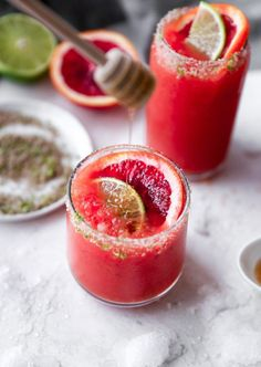 Honey Blood Orange Margaritas with Smoky Lime Salt - Cocktails Summer Drinks, Cocktail Drinks, Fun Drinks, Cocktail Recipes, Alcoholic Drinks, Beverages, Drink Recipes, Sweet Cocktails, Sangria Recipes