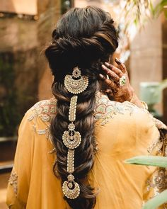 Hair Jewels That'll Give Your Bridal Jewellery A Run For Its Money! Bridal Hairstyle Indian Wedding, Bridal Bun, Indian Bridal Hairstyles, Wedding Hairstyles, Bridal Hair Accessories, Bridal Jewelry, Hair Jewels, Hair Piece, Hair Makeup