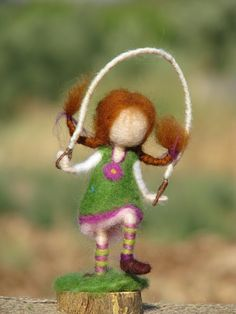 Needle felted waldorf inspired doll with jump rope on Etsy This little needle felted doll bringing fun to her home. Wet Felting, Needle Felted, Yarn Dolls, Felt Dolls, Needle Felting Tutorials, Beginner Felting, Felt Fairy, Felt Mouse, Nature Table