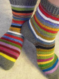 Lankaterapiaa: Iloista joulua! - Scrap Yarn Sock Advent Calendar