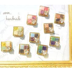 この季節にぴったりのアーガイル調のアクセサリーです(^ω^)13000フォロー突破を記念してお作りいたしました!みなさま、いつもありがとうございます(^ν^)金属ピアス、樹脂ピアス、クリップイヤリング、樹脂イヤリングよりおえらびいただけます。記載をお願い... Cute Jewelry, Diy Jewelry, Jewelery, Jewelry Making, Zardozi Embroidery, Plastic Resin, Resin Charms, Resin Molds, Diy Accessories