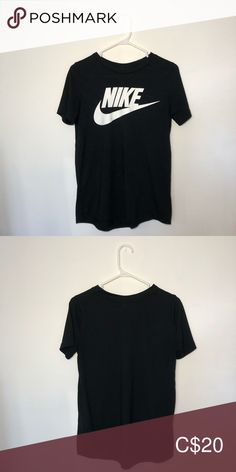 Shop Women's Nike Black White size S Tees - Short Sleeve at a discounted price at Poshmark. Plus Fashion, Fashion Tips, Fashion Trends, Nike Tops, Black Nikes, Nike Women, Sportswear, Short Sleeves, T Shirts For Women