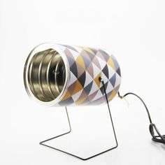 Tin can spot - Retro handmade tin can lamp! Perfect for every corner of the house. Tin can spot in packagings lights with tin can Recycled Lamp DIY Recycled Lamp, Recycled Tin Cans, Tin Can Lights, Diy Luz, Diy Dog Gate, Retro Lampe, Oak Furniture Land, Diy Cans, Handmade Lamps