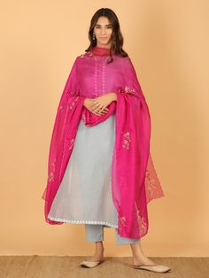 Dress Indian Style, Indian Dresses, Indian Outfits, Latest Punjabi Suits Design, Indian Designer Suits, Pakistani Dresses Casual, Pakistani Dress Design, Pakistani Bridal, Kurti Designs Party Wear