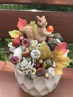 Flower Box Gift, Flower Boxes, Welcome Post, Crafts To Make, Diy Crafts, Craft Projects, Projects To Try, Acorn Crafts, Garden Workshops
