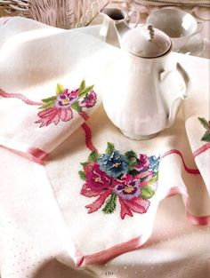 Cross Stitch Rose, Cross Stitch Flowers, Table Linens, Cross Stitching, Needlework, Embroidery, Bed Spreads, Patterns, Towels