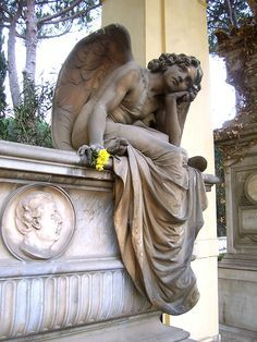 Campo Verano Grave by cheesemonster, via Flickr (Rome)