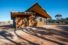 Mildura Eco Living Centre by EME Design wins 2016 Sustainability Awards - Small Commercial prize Timber Windows, Timber Door, Sustainable Building Materials, Sustainable Design, Education Architecture, Architecture Design, Concrete Insulation