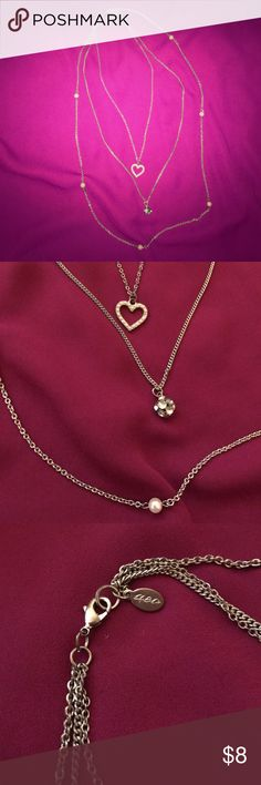 Silver three chained necklace Silver three chained necklace from American Eagle Outfitters. No flaws. ⭐️make an offer ⭐️ American Eagle Outfitters Jewelry Necklaces