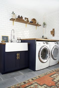40 Small Laundry Room Ideas and Designs 2018 Laundry room decor Small laundry room organization Laundry closet ideas Laundry room storage Stackable washer dryer laundry room Small laundry room makeover A Budget Sink Load Clothes Laundry Room Tile, Modern Laundry Rooms, Laundry Room Cabinets, Farmhouse Laundry Room, Blue Cabinets, Room Tiles, Laundry Room Organization, Laundry Room Design, Diy Cabinets