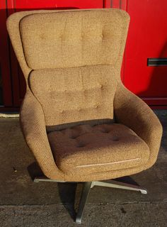 Vintage Retro 1970s Original Swivel Egg Chair Cream Biscuit Brown Fab Condition