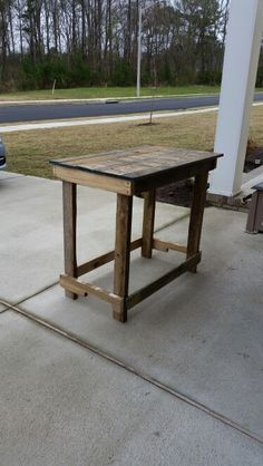 Rustic Table from Recycled Pallet