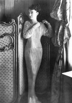 Mariano Fortuny. The unique Delphos gown, inspired from ancient Greece. 1910's