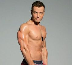 Hunks Joey Lawrence, Ian Ziering Are Hotter Than Ever: Video . Joey Lawrence, Ian Ziering, Melissa & Joey, Celebrity Bodies, Body Issues, Man Crush Monday, Gorgeous Men, Beautiful People