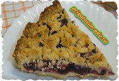 Очень нежный и вкусный ягодный пирог. Отлично подходит для постящихся. Если нет ягод, их можно заменить на повидло.