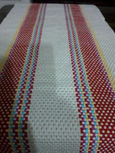 Tear, Loom, Weaving, Textiles, Quilts, Knitting, Rugs, Crochet, Home Decor