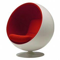 The Legendary Ball Chair by Eero Aarnio Funky Furniture, Living Furniture, Sofa Furniture, Furniture Design, Minimalist Scandinavian, Scandinavian Design, Electric Blinds, Ball Chair, Room Planning