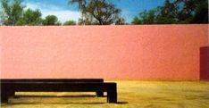 Raccolte in un libro edito da RM, le architetture, i colori e la filosofia del più importante architetto messicano del XX secolo: Luis Barragán.