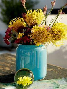 aqua vase with yellow flowers Amazing Flowers, Pretty Flowers, Fresh Flowers, Yellow Flowers, Colorful Flowers, Mustard Yellow Wedding, Yellow Turquoise, Aqua, Blue Yellow