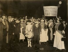 """[suffrage parade], sign reads: """"Getting there after fighting for 40 years."""" ca. 1915-1918, NYHS image #83873d."""