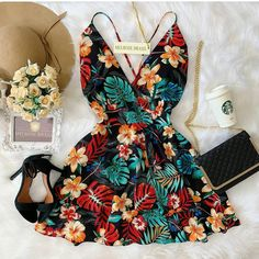 Women S Fashion Designer Labels Product Fashion Designer, Diva Fashion, Look Fashion, Fashion Outfits, Womens Fashion, Fashion Edgy, Skirt Fashion, Fashion Ideas, Classy Outfits