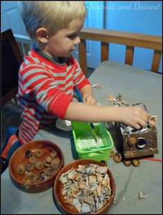 Nature Craft for Kids. Make a gnome or fairy house.