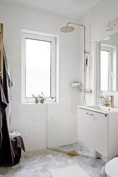 Badrumskommod LessMore i vitt | Ballingslöv Bathroom Inspo, Bathroom Inspiration, Master Bathroom, Interior Decorating, Interior Design, New Homes, Tiny Homes, Small Spaces, Living Spaces