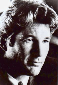 Richard Gere he was a cutie in pretty woman and that soldier one