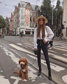 15 Looks de Negin Mirsalehi para ser la más trendy del street style Fashion Mode, Look Fashion, Fashion Outfits, Travel Outfits, Fashion 2018, Fashion Ideas, Fashion Design, Womens Fashion Online, Latest Fashion For Women