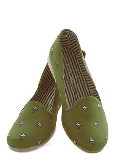 Guess Hoot? Flat. Your fun-loving style always surprises, and todays owl-print flats by Loly in the Sky are no exception! #green #modcloth
