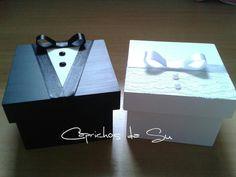 Caixa de MDF tamanho 10 x 10 personalizadas com noivinho ou noivinha. Ideal para convidar os padrinhos.    O VALOR É REFERENTE À 1 UNIDADE. Wedding Boxes, Diy Wedding, Wedding Favors, Wedding Gifts, Wedding Invitations, Diy Gift Box, Diy Gifts, How To Fold Towels, Wedding Cards Handmade