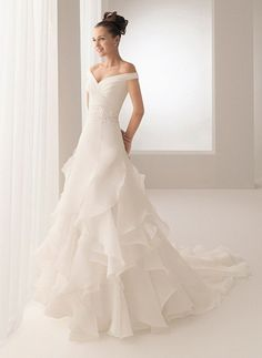 Winter Wedding Dresses for Women – Trend Fashion 2012 Pictures