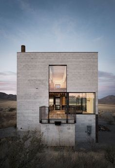 Outpost, an artist live/work studio in Idaho by Olson Kundig Architects h Architecture Résidentielle, Amazing Architecture, Contemporary Architecture, Sustainable Architecture, Architecture Supplies, Natural Architecture, Installation Architecture, Creative Architecture, Contemporary Interior