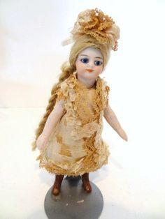 Original Mignonette Doll : Lot 119