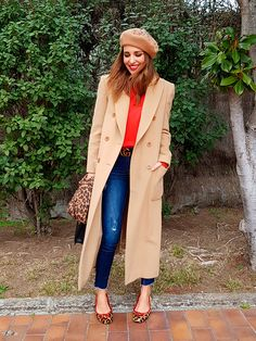 Red ruffle sweater+dark skinny jeans+leopard print flats/ ballerinas+camel long wool coat+camel embellishment beret+leopard print scarf+black tote bag/ shoulder bag/ purse+black logo belt. Winter Dressy Casual/ Date Outfit 2018