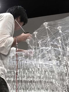 A group of students from the University of Tokyo have developed a 3D printing pen that can create large and complex architectural structures, and achieves a high level of accuracy thanks to a digital guiding system.