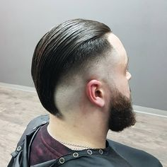 The undercut fade is very similar to a high fade haircut,The undercut is a hairstyle that was fashionable from the to the predominantly among men, and saw a steadily growing revival in the before becoming fully fashionable again in the Undercut Fade, Undercut Long Hair, Undercut Pompadour, Mohawk Hairstyles Men, Down Hairstyles, Braided Hairstyles, Cool Haircuts, Haircuts For Men, Fondue