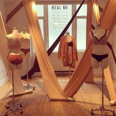 """AMERICAN EAGLE OUTFITTERS, (Press Preview), New York City, """"We'd rather see the world from a different angle"""", photo by Sidney, WGSN Retail Editor, pinned by Ton van der Veer"""
