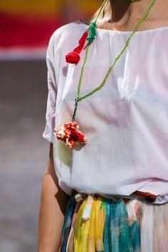 Daniela Gregis at Milan Fashion Week Spring 2017 - Details Runway Photos Fashion Wear, Diy Fashion, Fashion Looks, Textile Jewelry, Fabric Jewelry, Jewellery, Diy Crochet And Knitting, Textiles, Designer Scarves